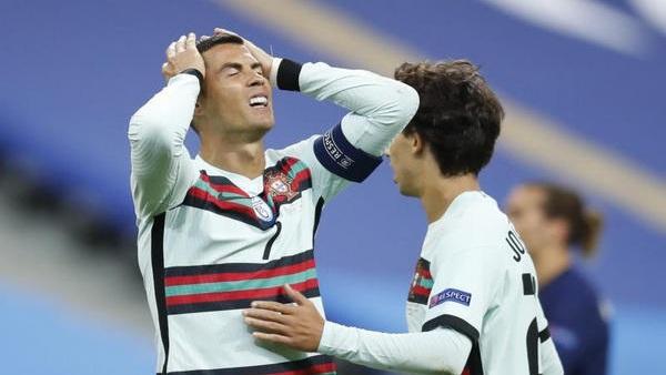 صورة رونالدو يصيب البرتغال بالرعب